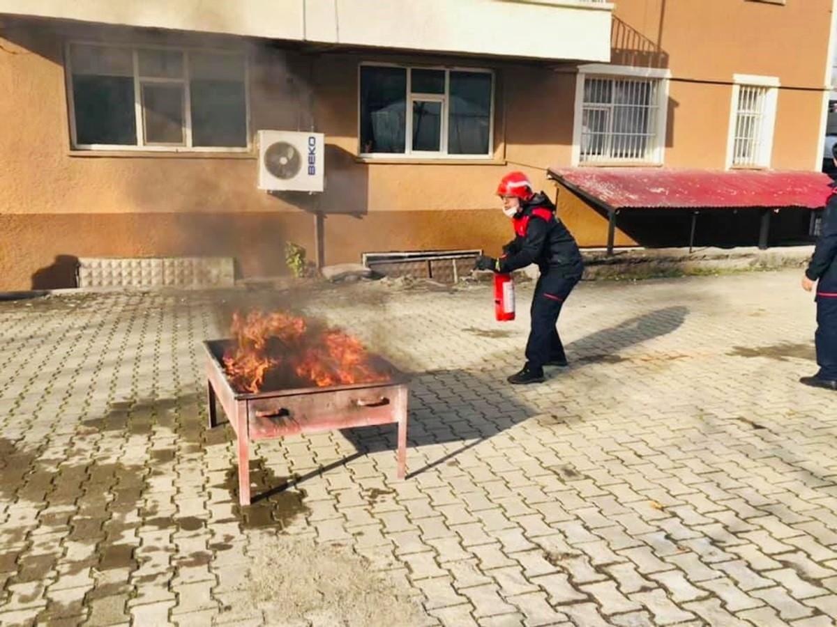 Bingöl'de Polise Yangın Eğitimi Verildi