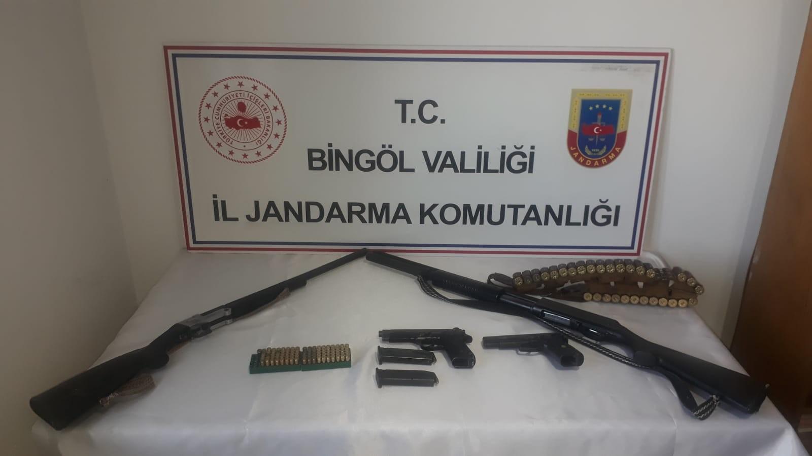 Bingöl'de Bir Evde Silah Ele Geçirildi