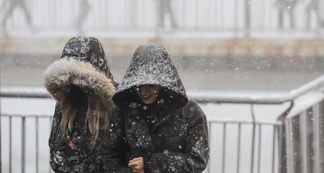 Kar Uyarısı Yapıldı: Sıcaklıklar Düşecek