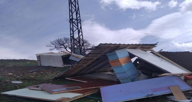 Fırtına Arıcı Kulübelerine Zarar Verdi