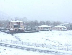 Karlıova'da Hayat Durma Noktasına Geldi
