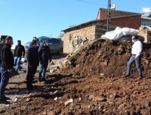 Yedisu'da Ağır Hasarlı Binalar Yıkılıyor