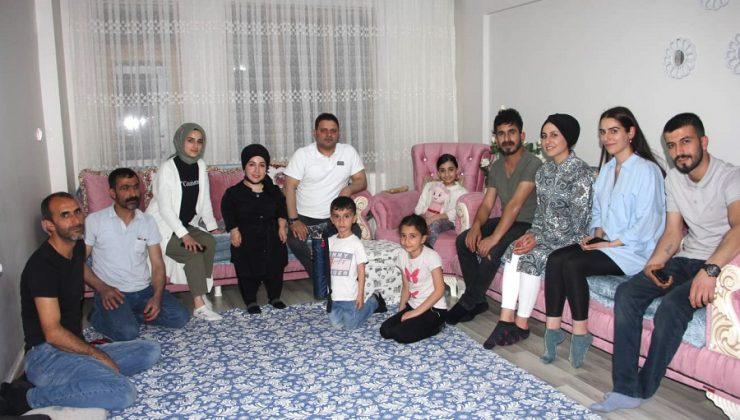 Minik Yeliz'i Sevindiren Ziyaret