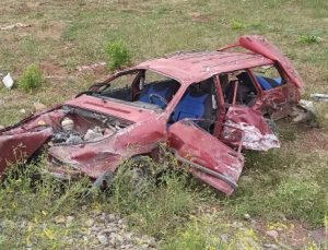 Otomobil İle Traktör Çarpıştı: 4 Yaralı