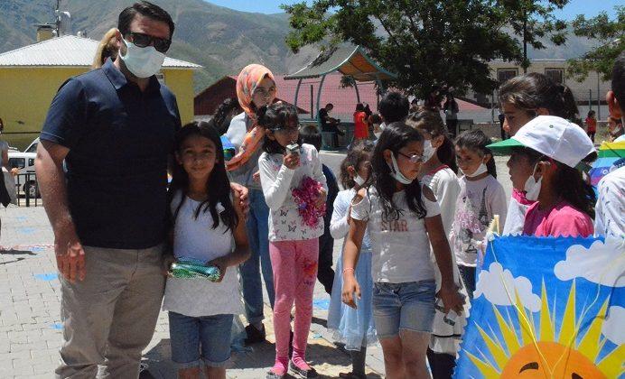 Yedisu'da Uçurtma Festivali Düzenlendi