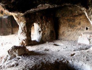 Zağ Mağaraları Görenleri Büyülüyor