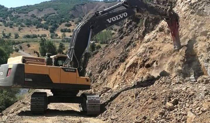 Yedisu-Erzincan Yolunda Çalışma Sürüyor