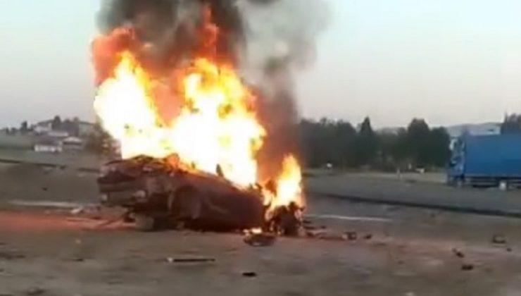 Devrilen Otomobil Yandı, Sürücü Yaralandı