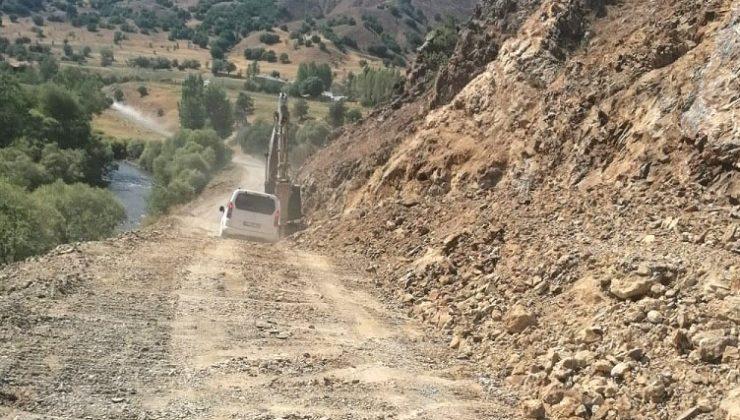 Yedisu-Erzincan Yolu Geçici Olarak Trafiğe Kapatıldı