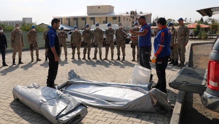 43 Jandarma Personeline Çadır Kurma Eğitimi Verildi
