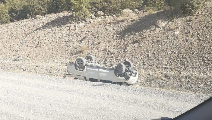 Kiğı'da Otomobil Takla Attı: 1 Ölü, 2 Yaralı