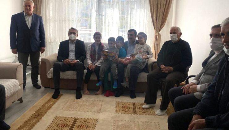 Yılmaz'dan Şehit Ailelerine Ziyaret